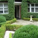 Earlsfield formal front garden ideas,bespoke fencing