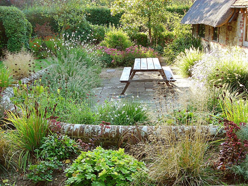 Henrietta gentilli garden design henrietta gentilli for Garden house design west sussex